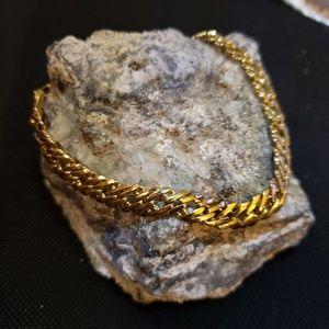 Jewelry - Gold tone link bracelet